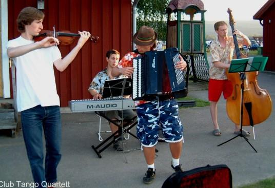 19 Club Tango Quartett